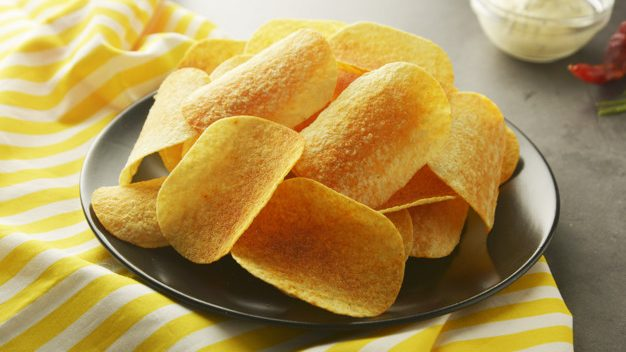 愛吃薯片,不是你自制力差!而是每吃一口,都讓你更「上癮」